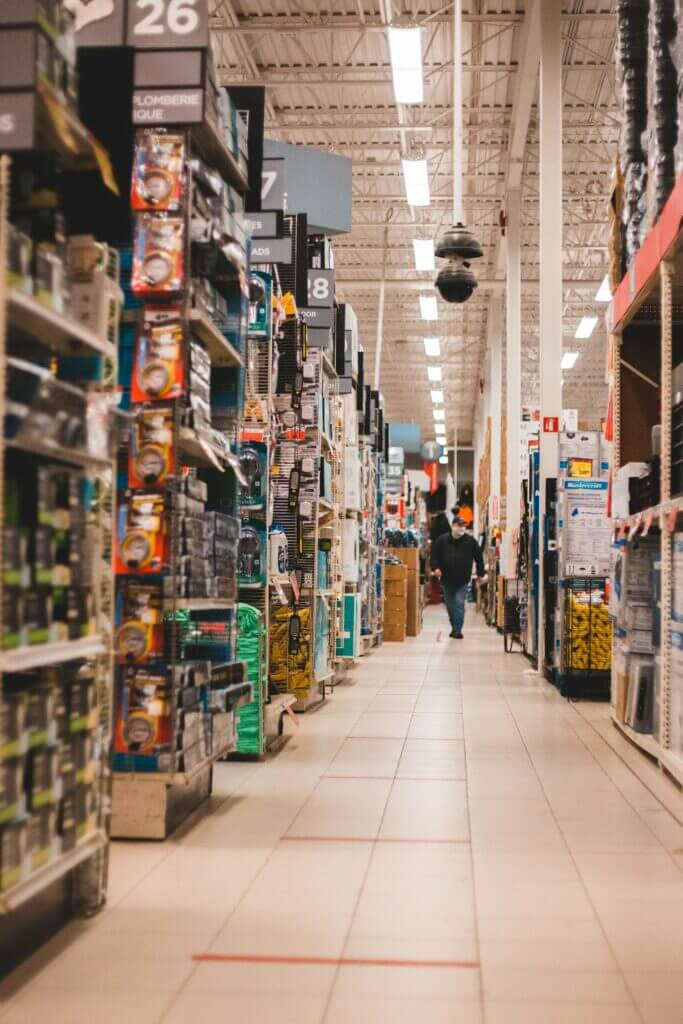 While cutting edge retail planning software helps to manage store stock, retail managers are turning to technology for better inventory management.